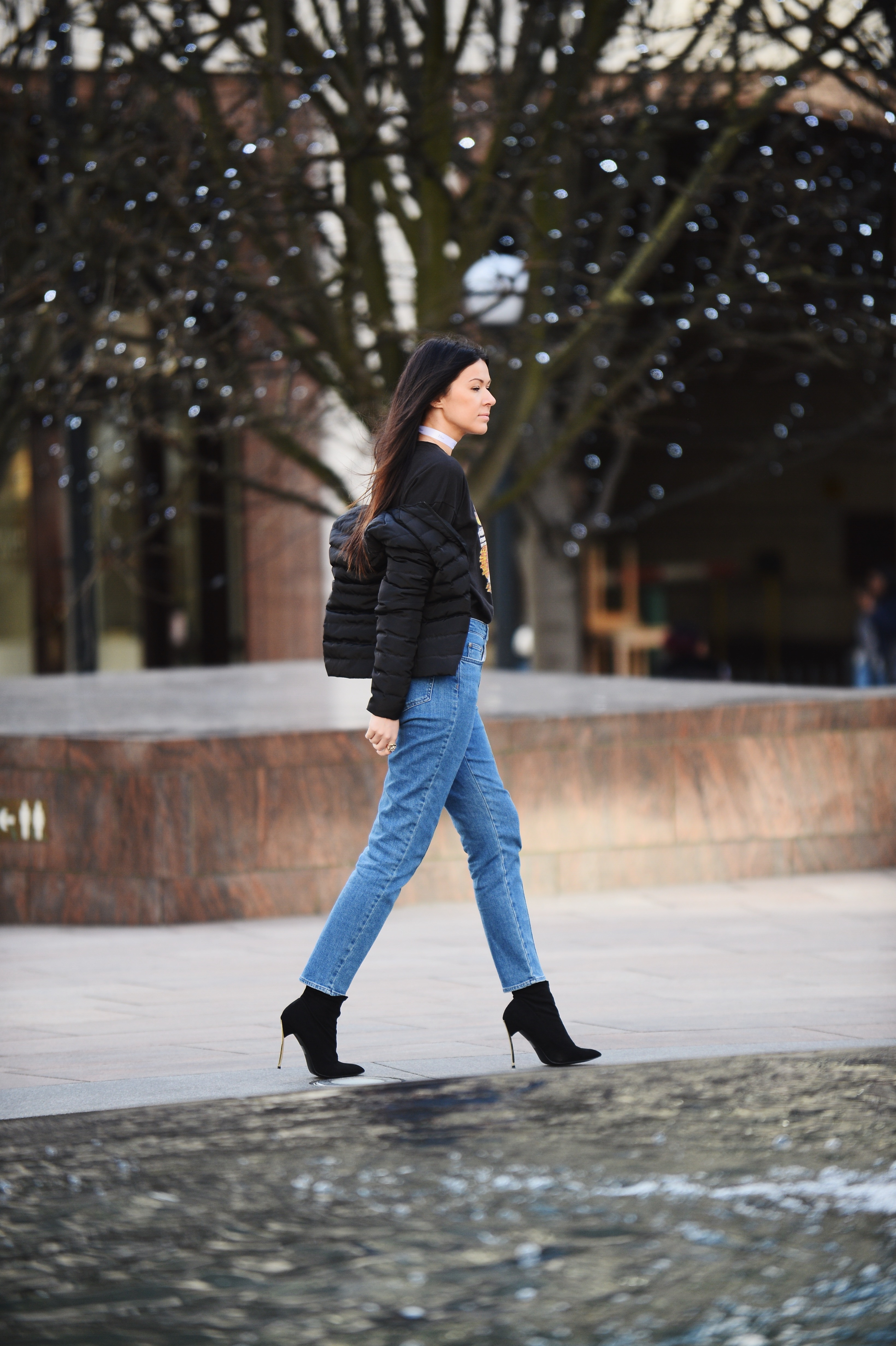 moms jeans and heels